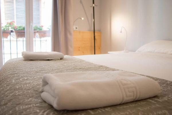 Habitacion de matrimonio 1 Pensión Kaixo Hostel Donosti San Sebastian